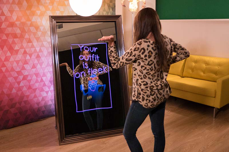 Houston magic mirror selfie booth